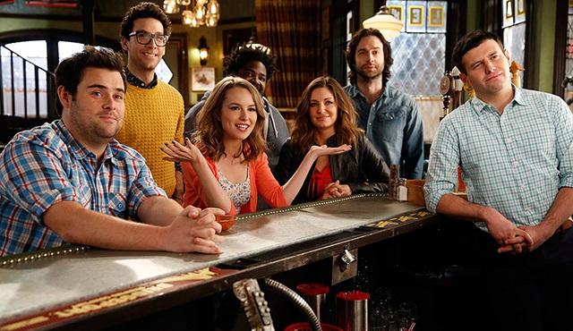 Undateable, 3. sezonuyla Dizimax Comedy'de devam ediyor