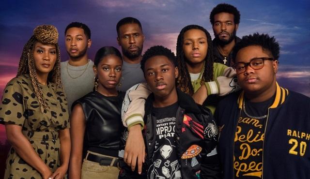 The Chi dizisi 5. sezon onayını aldı