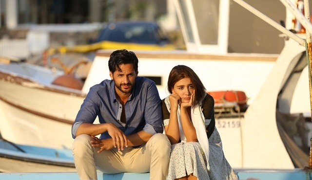 Hayat Sevince Güzel | Zarife reveals her feelings for Savaş