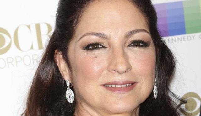Gloria Estefan, Netflix'in One Day at a Time dizisine konuk olacak