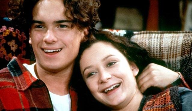 Johnny Galecki, Roseanne dizisinde yer almak için görüşmelere başladı