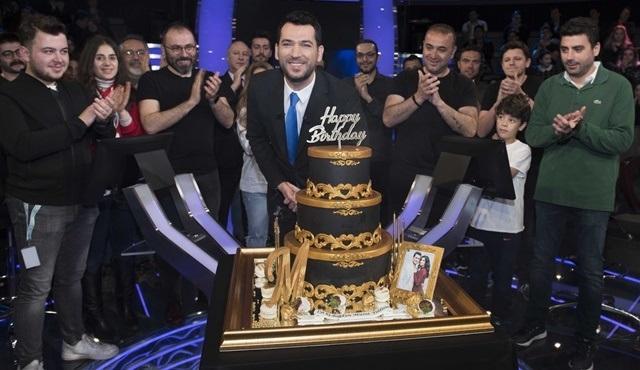 Murat Yıldırım'a Kim Milyoner Olmak İster stüdyosunda sürpriz doğum günü!