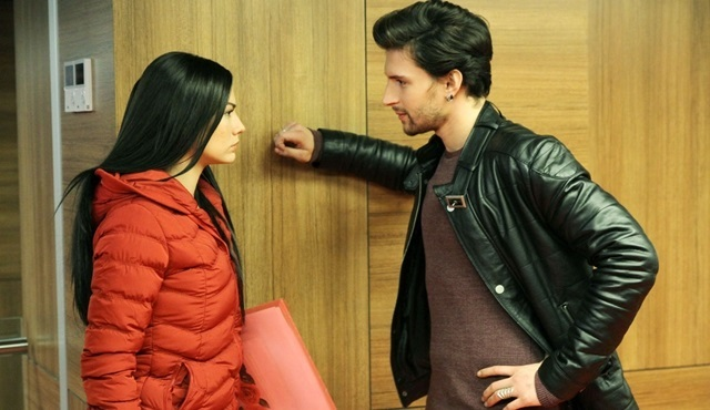 Çilek Kokusu: Another crisis in Aslı and Burak's relationship