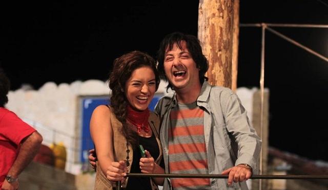 Tolga Çevik ve Ezgi Mola ile kahkaha dolu bir komedi: Patron Mutlu Son İstiyor!