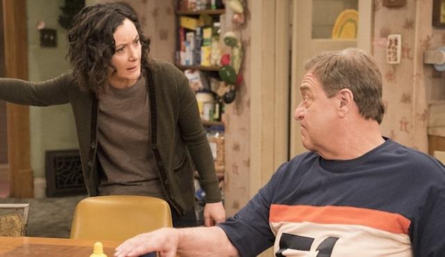 ABC'nin iptal ettiği Roseanne'i uzantı diziyle devam ettireceği kesinleşti