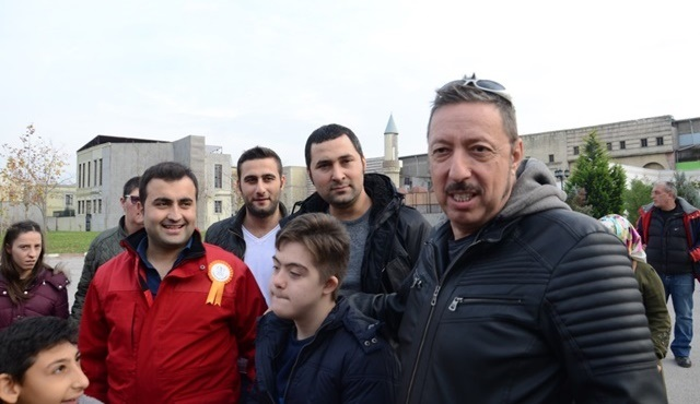 Genç İzmitliler Platformu, Dünya Engelliler Günü'nde Payitaht setini ziyaret etti!