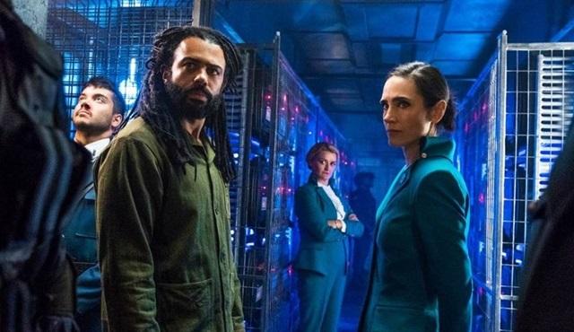 Snowpiercer filminin dizi uyarlaması TNT'ye transfer oldu