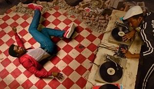 mutlaka-izlemeniz-gereken-netflix-muzik-belgeselleri