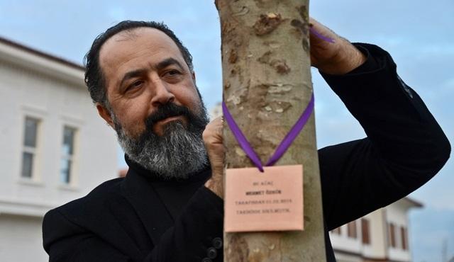 Filinta'nın 'Kadı Gıyaseddin'i Mehmet Özgür EXPO 2016'ya ağaç dikti!