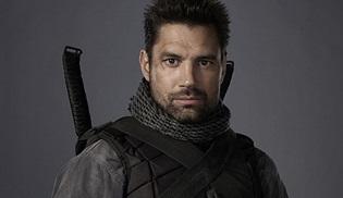 Slade Wilson, Arrow'a geri dönüyor