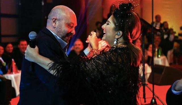 İşte Hüsnü Bey ile Sibel Can'ın Romantik Dansı!