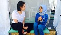 Game of Thrones oyuncuları Suriyeli mültecileri ziyaret etti