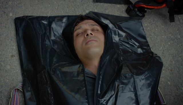 Kırgın Çiçekler'in Kemal'i Cansu Fırıncı, diziye veda etti!