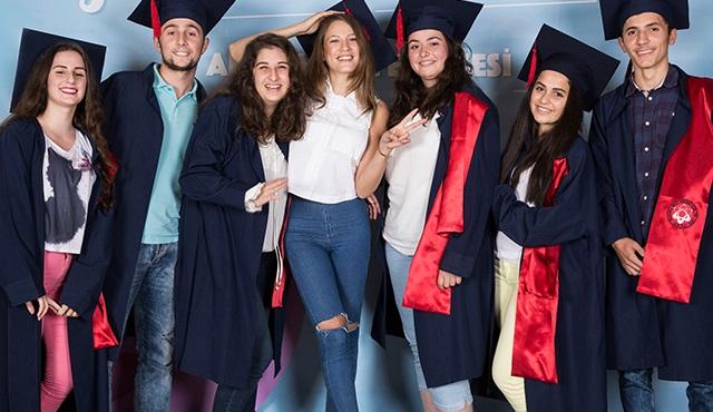 Serenay Sarıkaya, Trabzon'da: Hayallerine dikkat et, her an gerçek olabilir!