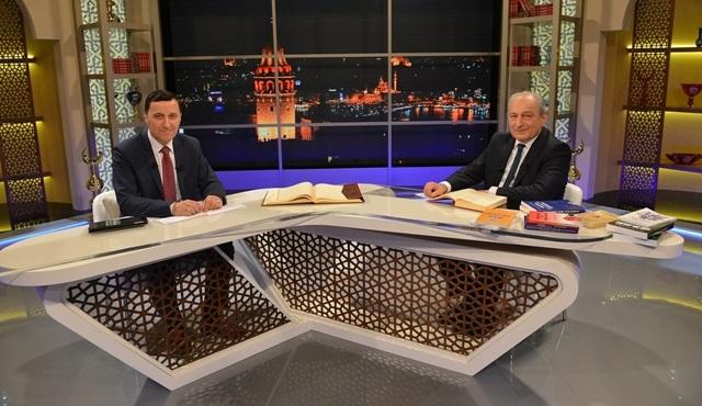 """""""Bayraktar Hoca ile Kur'ân-ı Kerîm'i Anlamak"""" Ramazan ayı boyunca Kanal D'de!"""