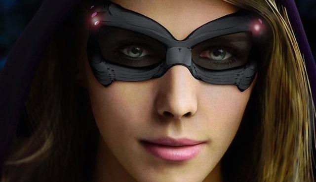 Felicity Smoak Legends of Tomorrow'a konuk oluyor