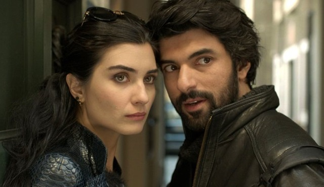 Kara Para Aşk, İspanya'da yayınlanmaya başladı