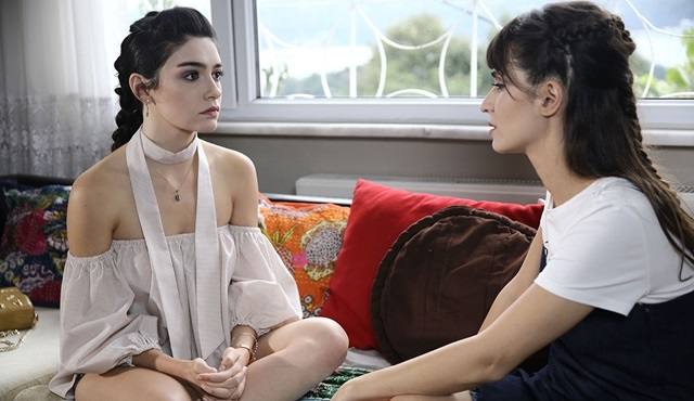 Yüksek Sosyete | Cansu thinks Kerem betrayed her