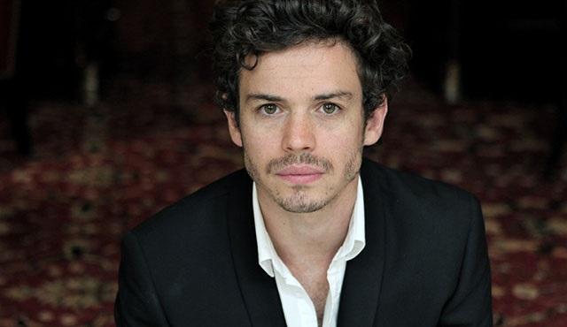 Lionel Lingelser, Outlander'ın 2. sezonunda rol alacak