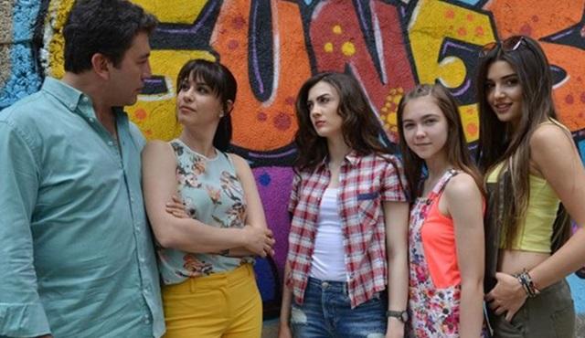 Güneşin Kızları dizisinin ilk bölümüne toplu bakış