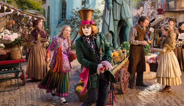 Alice Harikalar Diyarında: Aynanın İçinden filmi Tv'de ilk kez atv'de ekrana gelecek!