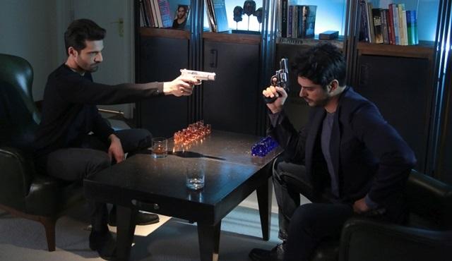 Kara Sevda'da Kemal ve Emir hesaplaşmasında silahlar konuşuyor!