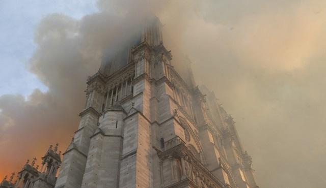 Notre Dame Felaketi, National Geographic'te ekrana gelecek!