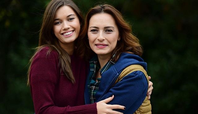 Kardeş Çocukları dizisinde rol alan Ayça Bingöl, yeni karakteri Ümran'ı anlattı