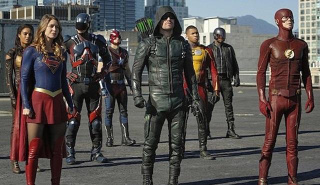 The CW'nun süper kahraman dizilerinden ortak bölümler geliyor!