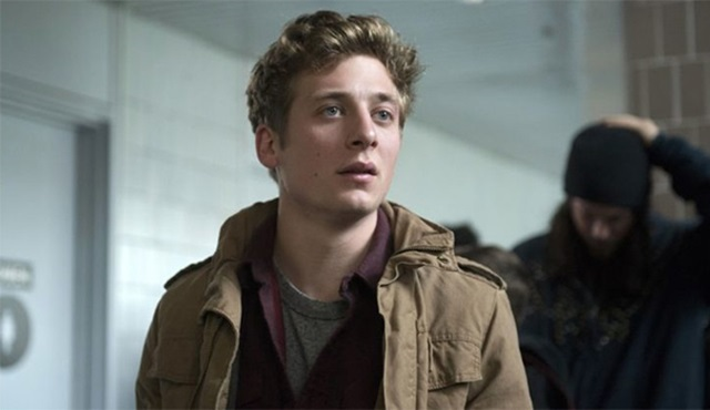 Jeremy Allen White, Julia Roberts'ın yeni dizisi Homecoming'in kadrosunda