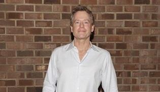 Greg Kinnear, Stephen King'in The Stand romanından uyarlanan yeni dizinin kadrosunda