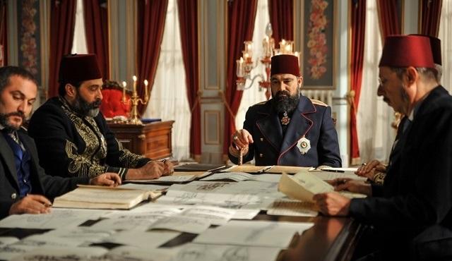 Abdülhamid ve Ahmet Paşa arasındaki anlaşma bozuluyor mu?