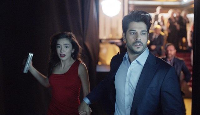 Kara Sevda'da Nihan ve Kemal'in dedektifçilik oyunu başlıyor!