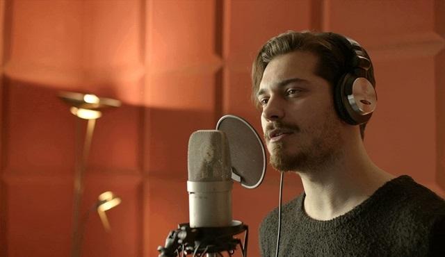 Çağatay Ulusoy, Delibal'ın klip çekimi için stüdyoya girdi!