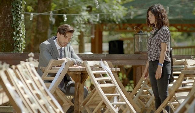 Seviyor Sevmiyor | Yiğit crushed upon his father's visit