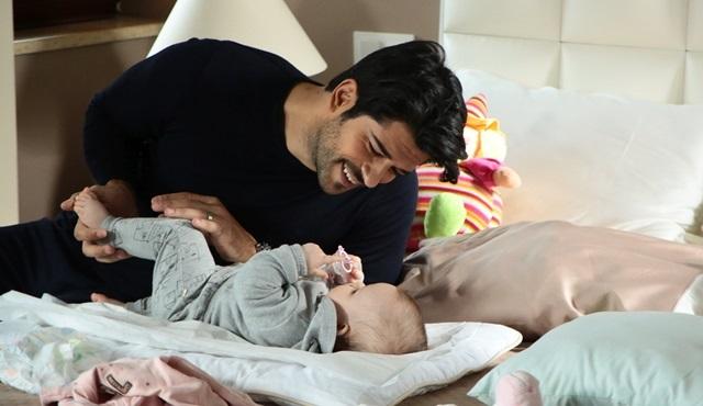 Kara Sevda'da Kemal'in kızı için mücadelesi devam ediyor!