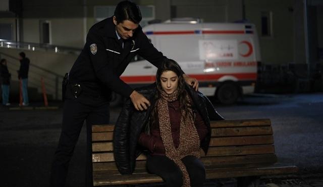 Barış, Filiz ve Cemil'in birbirlerine gerçekten yakınlaştığına inanmaya başlıyor!