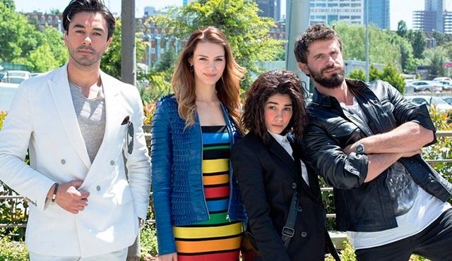 Seviyor Sevmiyor dizisinden iki tanıtım birden yayınlandı!