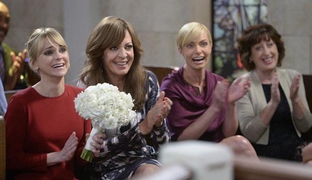 CBS, Mom dizisine 6. sezon onayı verdi