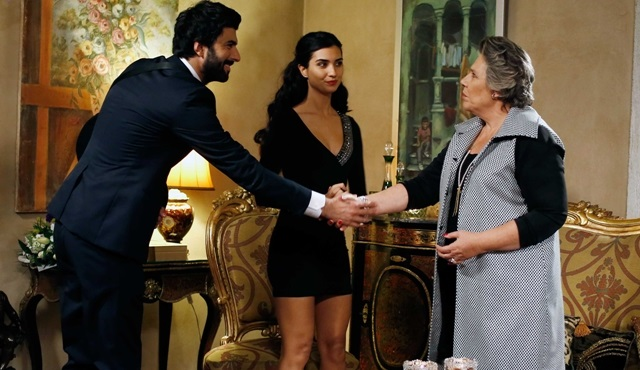 Ömer Elif'e evlenme teklif etti, sosyal medya sallandı!!