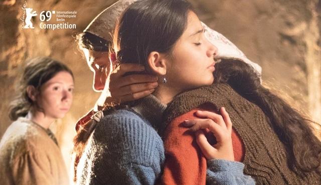 Berlin'de Altın Ayı için yarışacak Kız Kardeşler'in festival afişi ve teaserı yayınlandı!