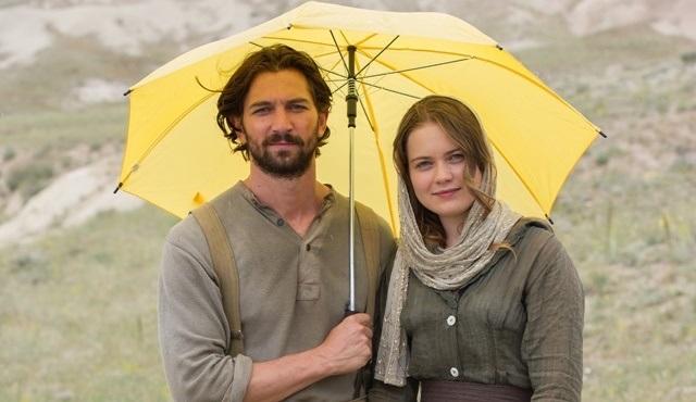 Hollywood'un mütevazı starlarından Doğu Anadolu güneşine şemsiyeli çözüm!