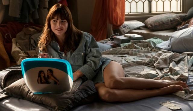 Tatil bitmeden izlenecek dizi önerisi: Girlboss