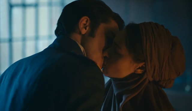 Vatanım Sensin'de çok konuşulan HiLeon ilk öpücük sahnesi!
