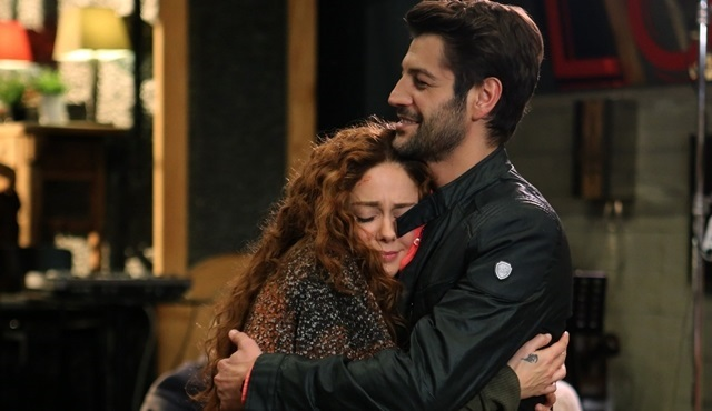 Acil Aşk Aranıyor: Sinan and Nisan have to hide their relationship