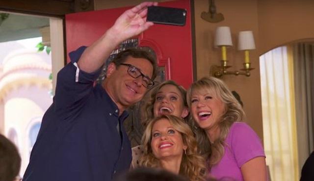 Fuller House dizisinden kamera arkası görüntüleri geldi