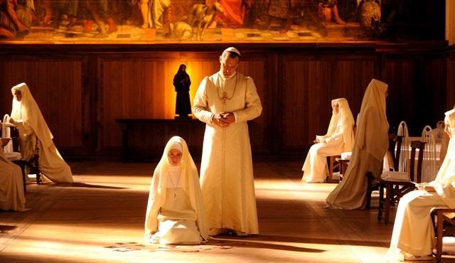 The Young Pope'un Japonya yayınının anlaşması MIPCOM'da yapıldı