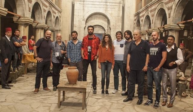 Filinta 'Bin Yılın Şafağında' ekibi Cannes yolcusu