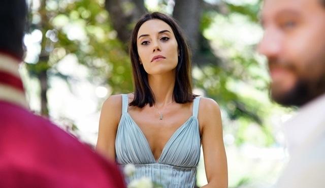 Sadakatsiz yeni sezonuyla 29 Eylül'de Kanal D'de ekrana gelmeye hazırlanıyor!