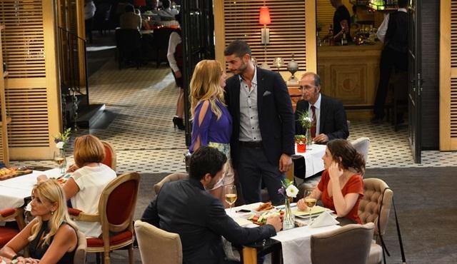 İlişki Durumu: Karışık: Can is the star of Ayşegül's movie!